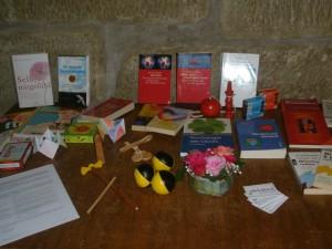 Der Bücher-, Spiele- und Ideentisch für Zwischendurch...